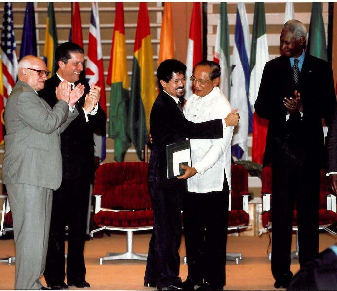 Misuari and Ramos, Nobel Prize Winners 2007 for achieving a 1996 Final Peace Agreement
